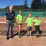 Tennis-Nachwuchs zeigt auf